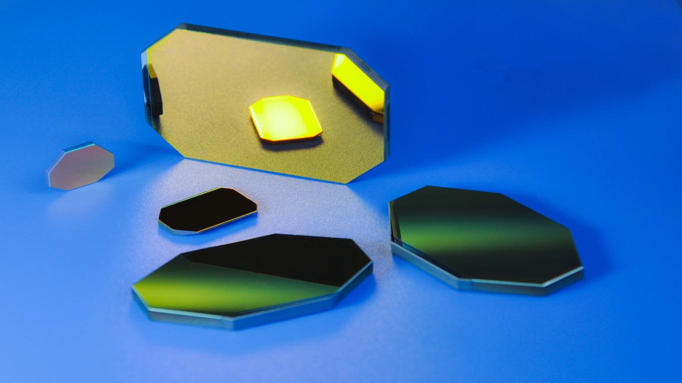 Laser-scan-mirror